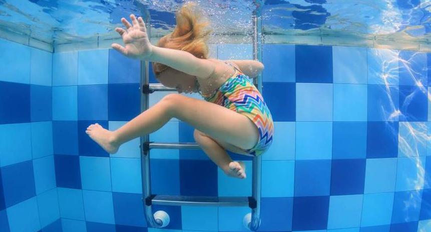 Consells per evitar que els nens s'ofeguin a la piscina