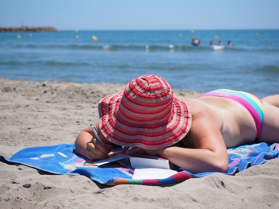 5 beneficis (i els perills) de prendre el sol