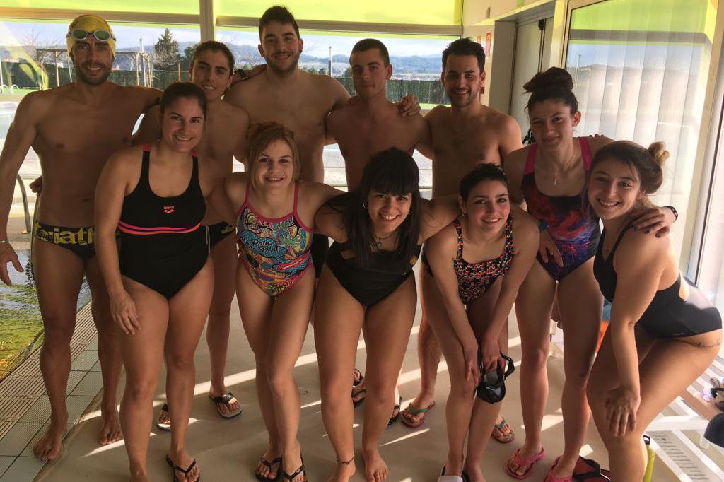 Una dotzena de joves es formen en socorrisme i salvament aquàtic